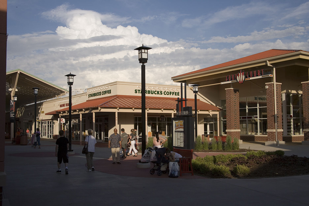 Chicago Premium Outlets Food Court Exterior