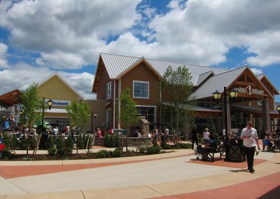 Merrimack Premium Outlets Food Court Exterior