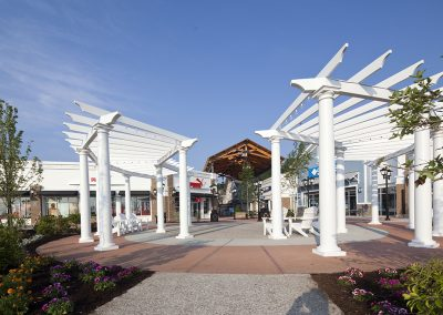 Merrimack Premium Outlets Trellis and Seating Area
