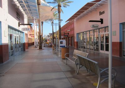 Las Vegas Premium Outlets Hardscape and Seating