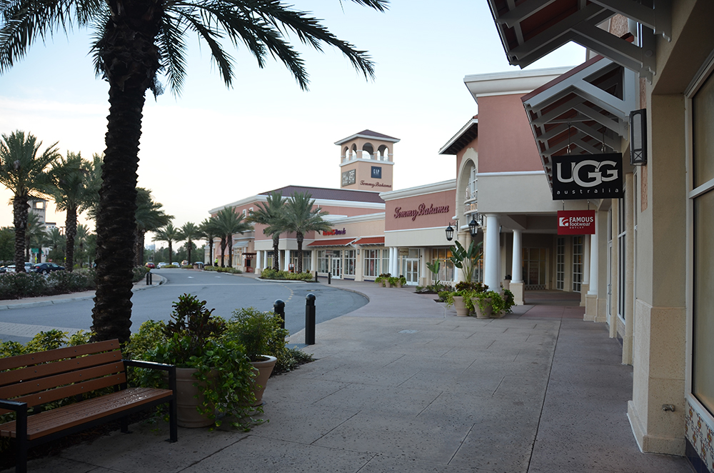Orlando Premium Outlets Walkway Seating Landscaping Retail Signage